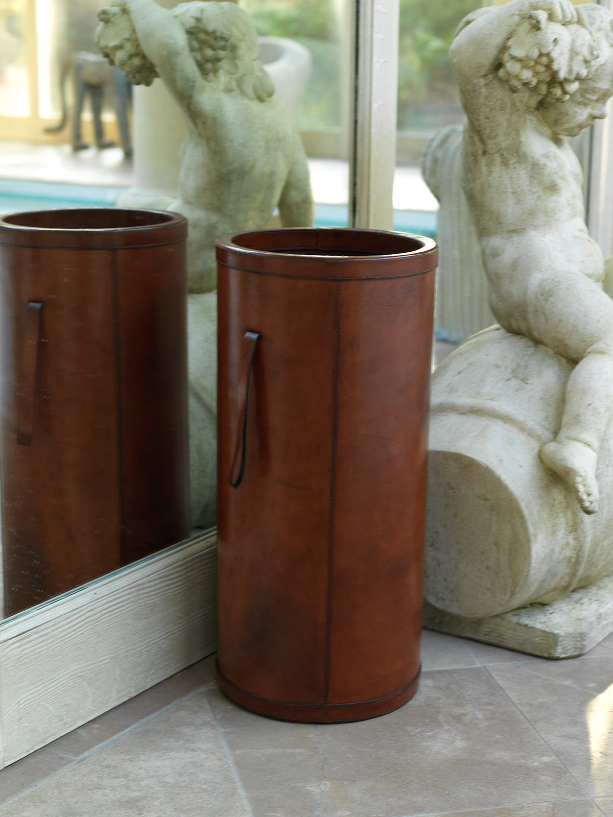 Leather Brown Umbrella Stand|Umbrella Basket Holder - Candle and Blue