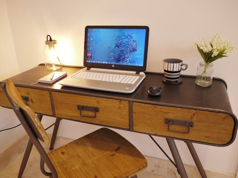 Captivating Retro Vintage Style Writing Desk And Chair ...