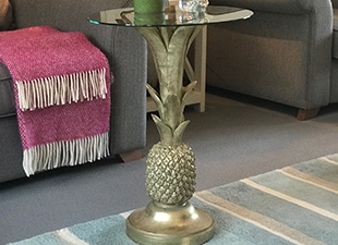 A_Gold_pinepapple_Table_Lamp