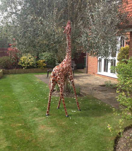 Small Garden Giraffe Metal Sculpture
